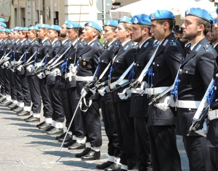 CONCORSO ALLIEVI AGENTI POLIZIA PENITENZIARIA 2020: BANDO PER 1300 DIPLOMATI